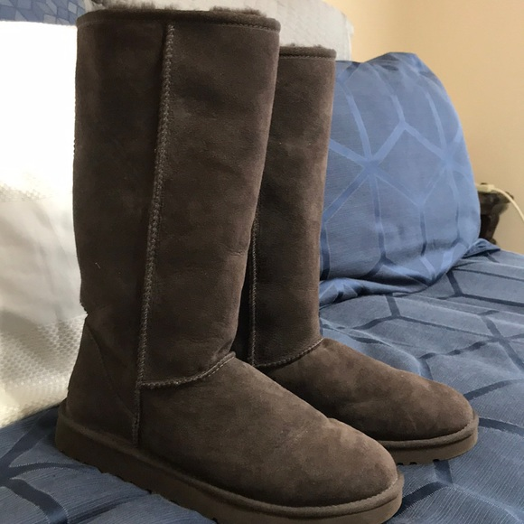 500cf579f31 UGG Classic tall chocolate boots